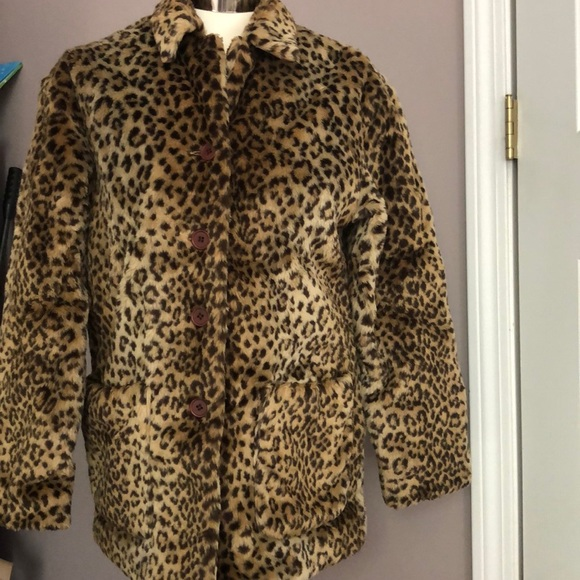 Faux fur leopard coat 🐆